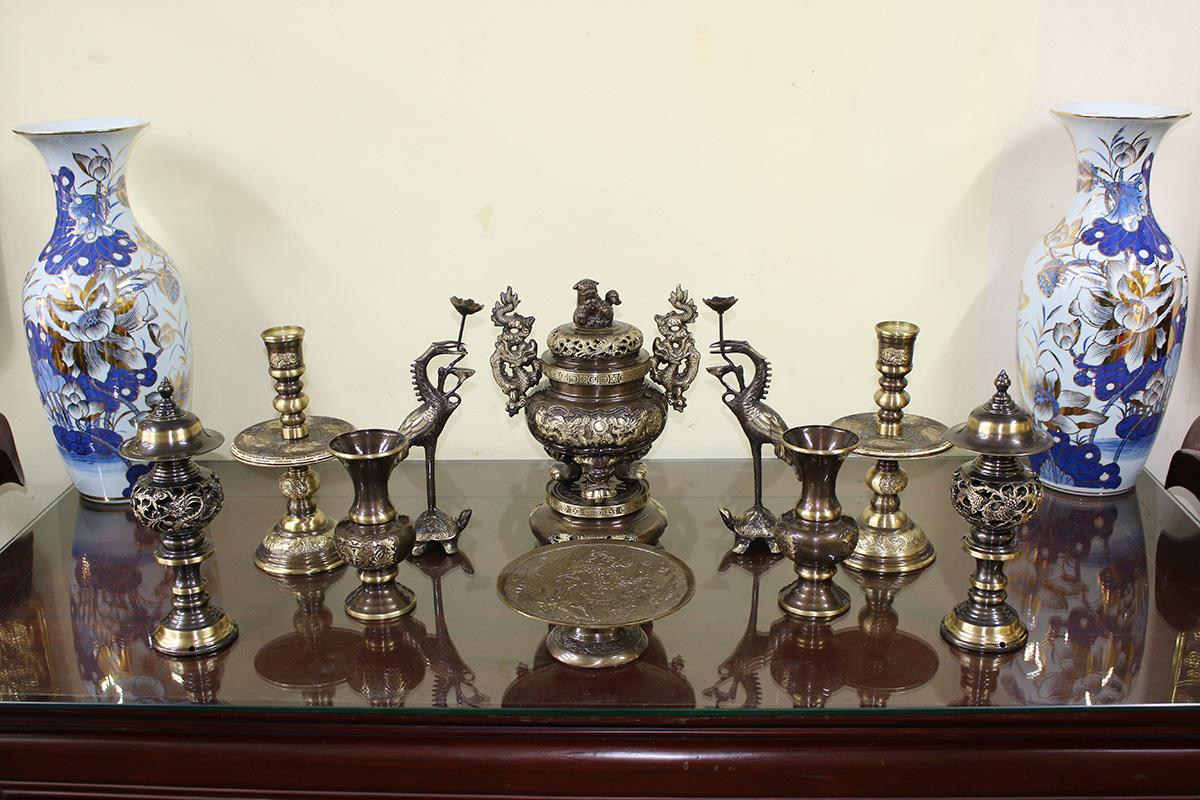 Bộ đỉnh đồng thờ cỡ nhỏ đầy đủ 10 món màu giả cổ