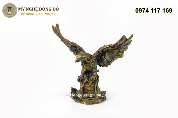 Chim đại bàng bằng đồng vàng hun giả cổ