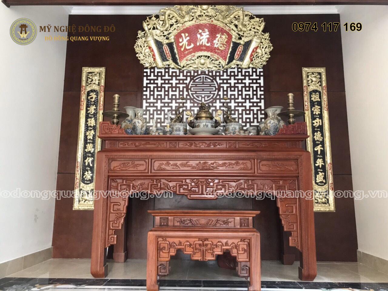 Bộ cuốn thư câu đối sơn son thếp vàng Đức Lưu Quang