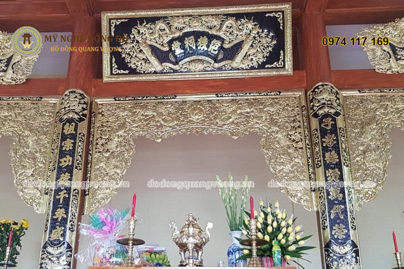 Hoành phi Câu đối và cửa võng thờ cúng bằng đồng