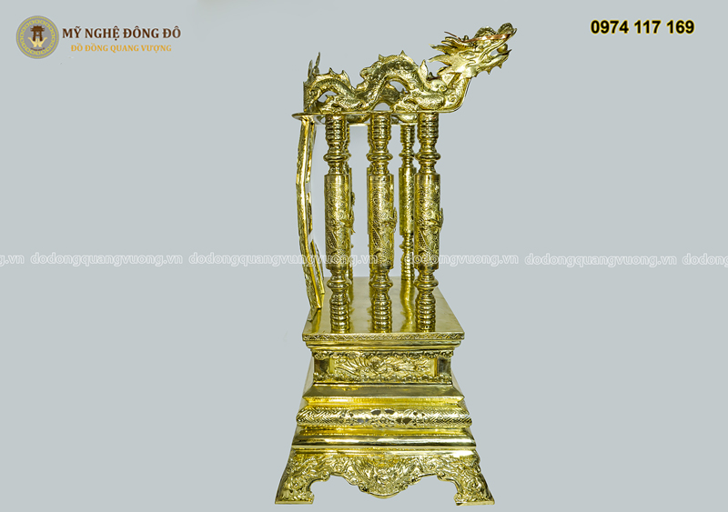 Ngai thờ bằng đồng vàng cao 81cm