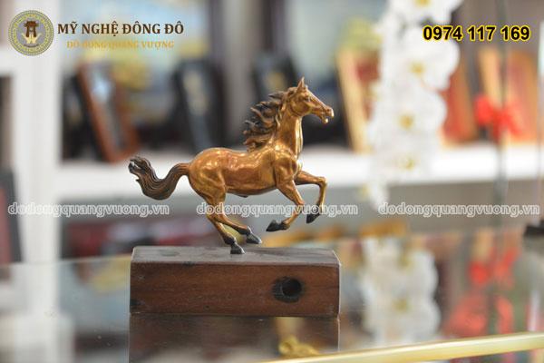 Ngựa đồng vàng tư thế phi mã 1