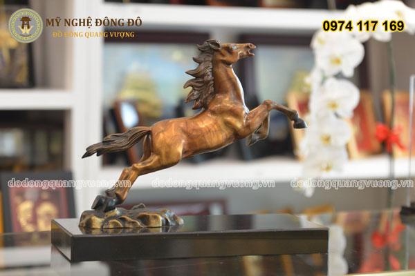 Tượng ngựa bằng đồng phi mã 1