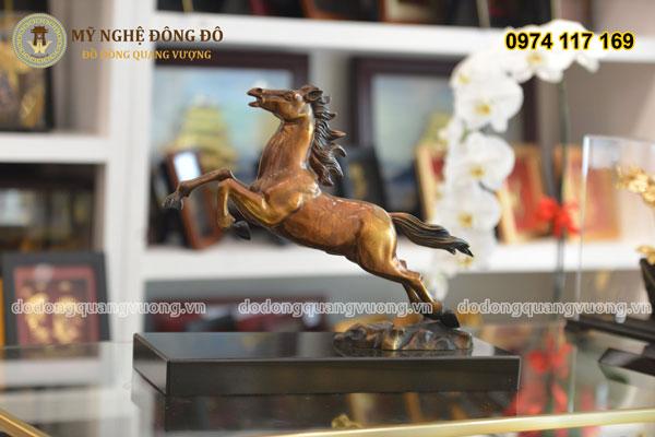 Tượng ngựa bằng đồng phi mã
