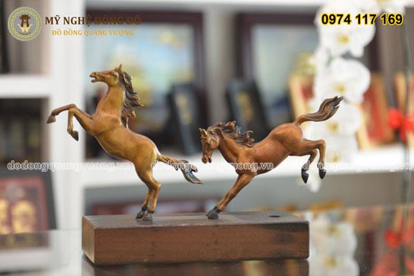 Tượng ngựa bằng đồng phi song mã