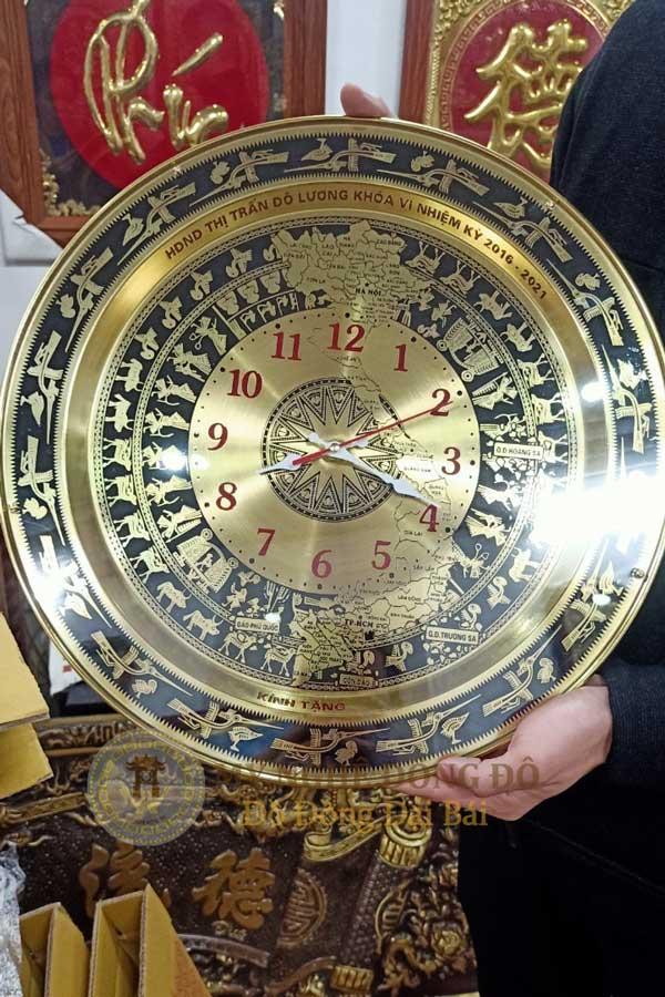 đồng hồ trống đồng khách đặt