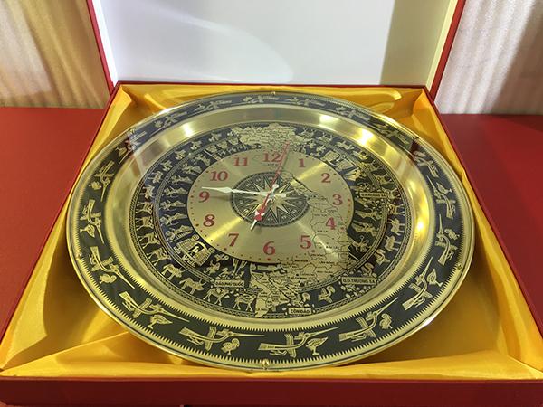 Đồng hồ trống đồng sang trọng đường kính 54cm